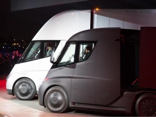 特斯拉发布了新款电动半挂卡车Semi